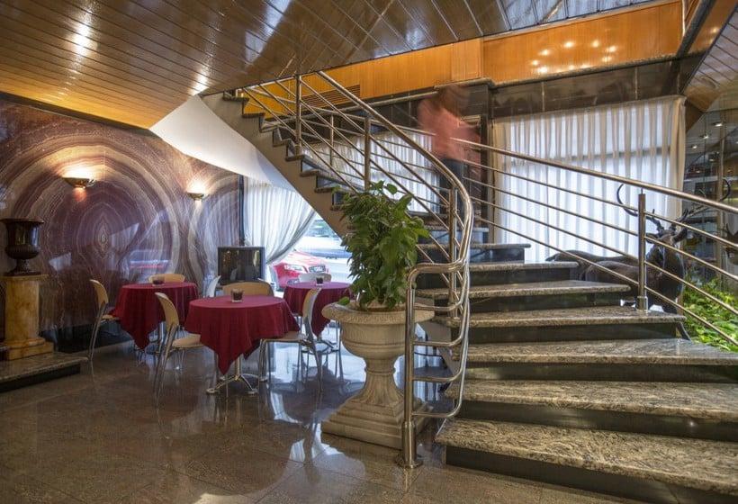 Zonas comunes Hotel Imperial Atiram Sant Julia de Loria