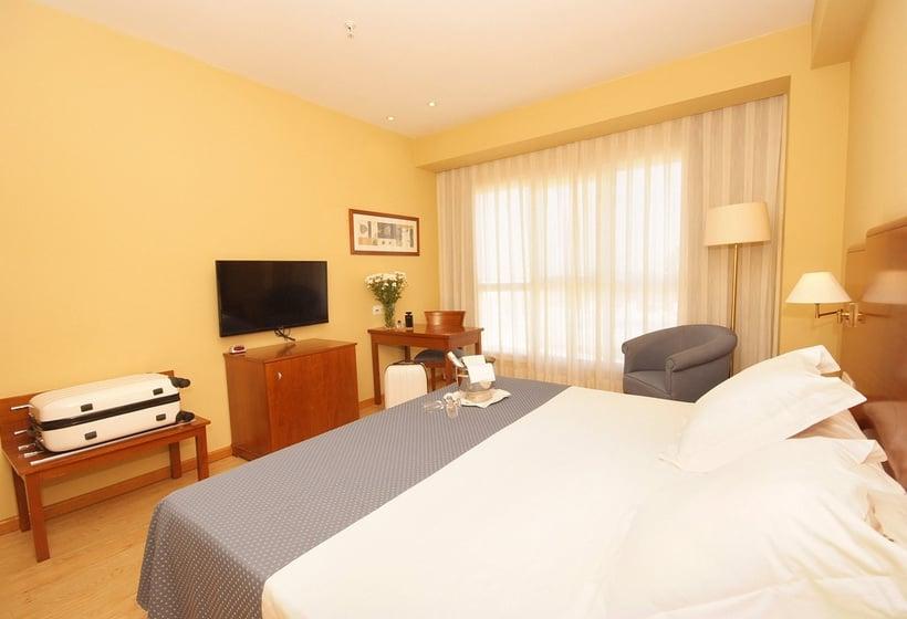 Hotel albufera en alfafar desde 24 destinia for Piscina alfafar