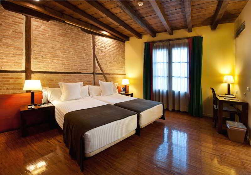 Hotel abad toledo en toledo desde 27 destinia - Habitaciones de matrimonio rusticas ...