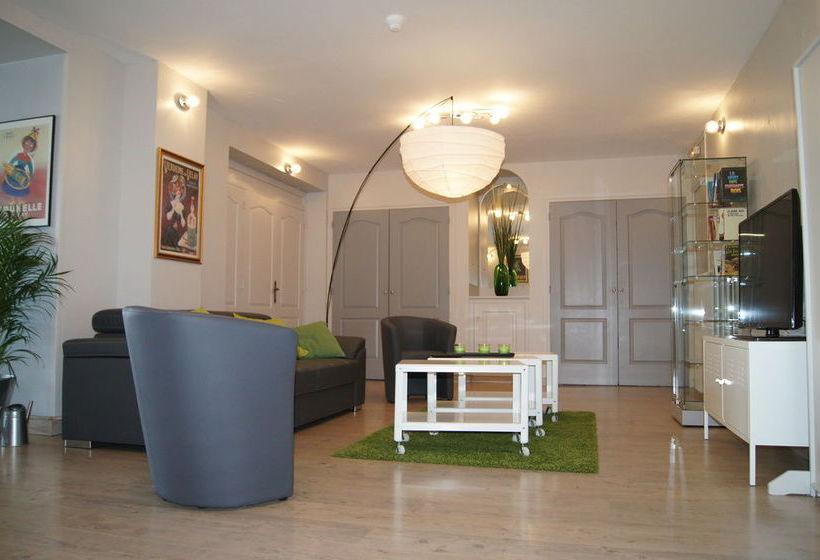 hotel le val vert en le puy en velay destinia. Black Bedroom Furniture Sets. Home Design Ideas