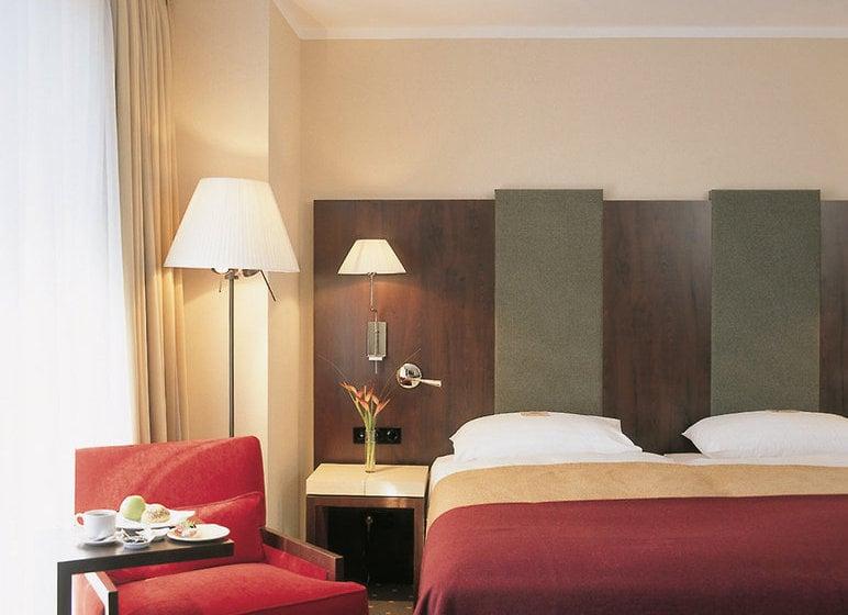 Hotel nh budapest en budapest desde 26 destinia for Zona 5 mobilia no club download