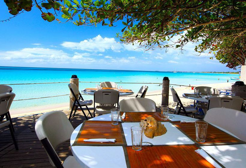 Hotel Travellers Beach Resort In Negril