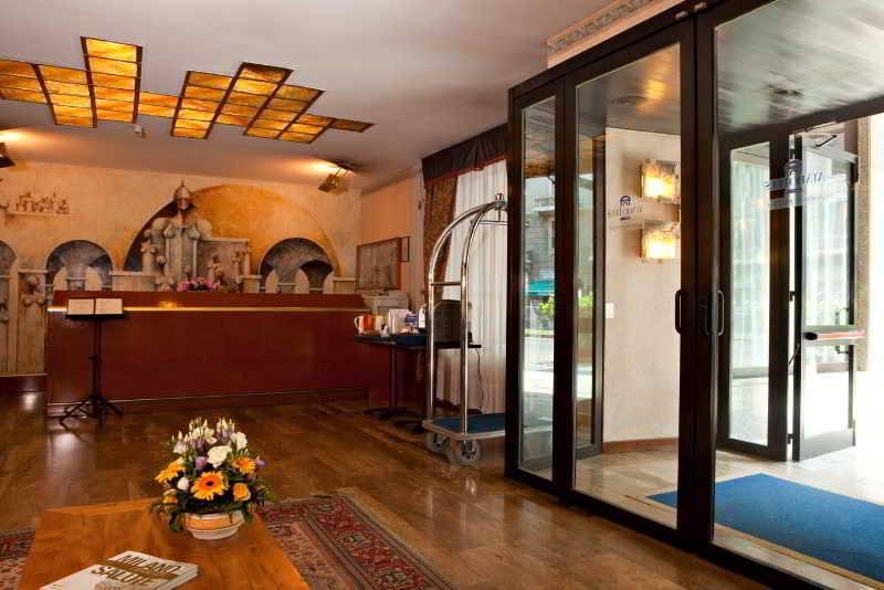 Atahotel linea uno en mil n desde 32 destinia for Ata hotel milano