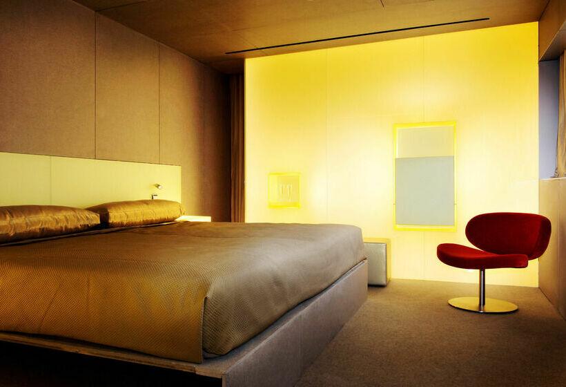 Hotel puerta america en madrid desde 34 destinia - Silken puerta de america ...