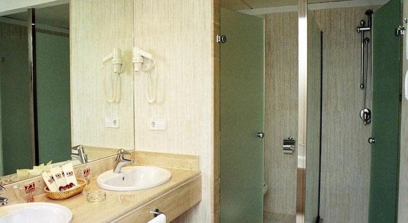 Cuarto de baño Hotel Peñíscola Plaza Suites