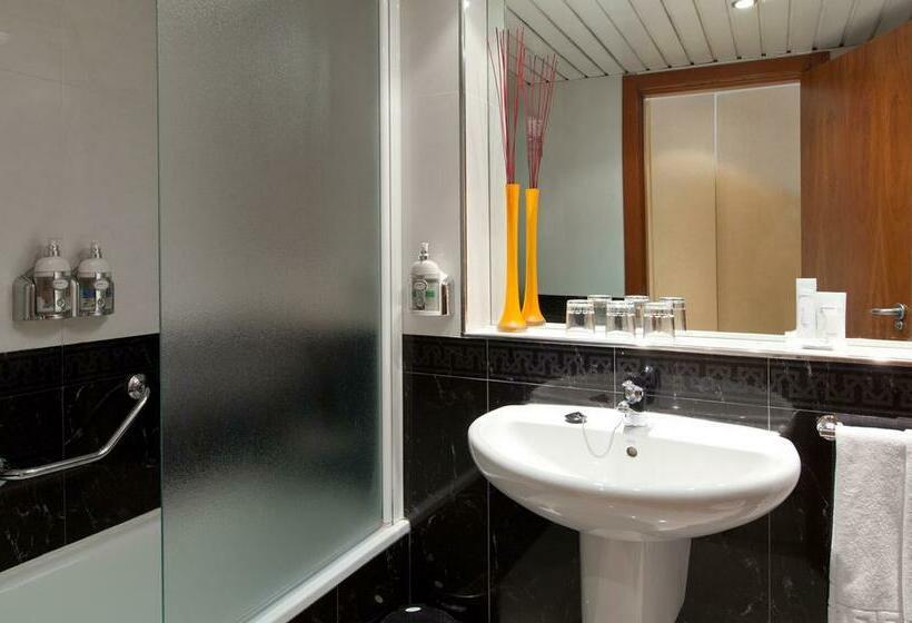 Cuarto de baño Hotel Gravina Cinco Alicante