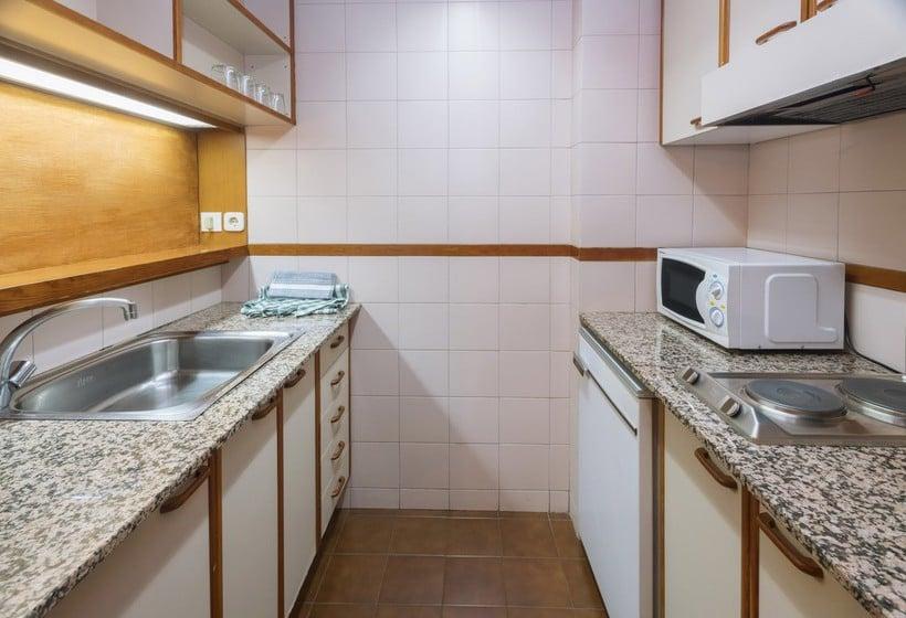 Cocina Hotel & Apartahotel SERHS Cosmos Les Escaldes-Engordany