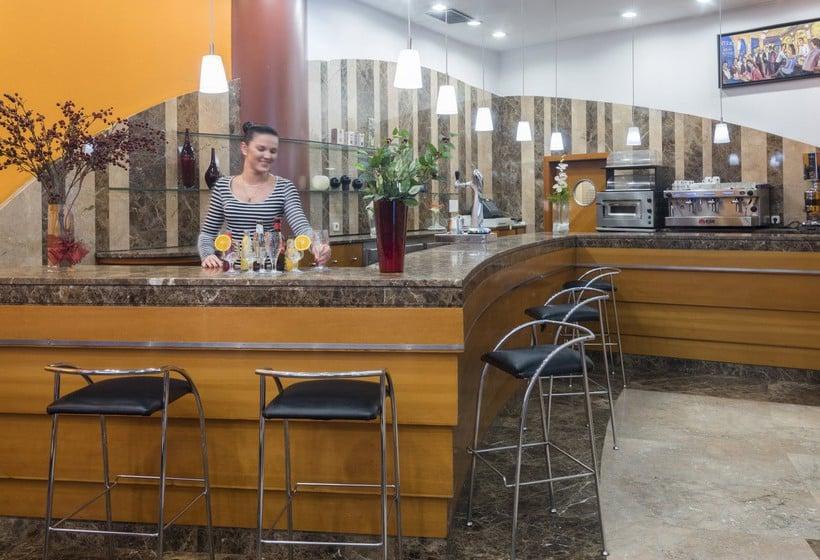 Cafetería Hotel & Apartahotel SERHS Cosmos Les Escaldes-Engordany