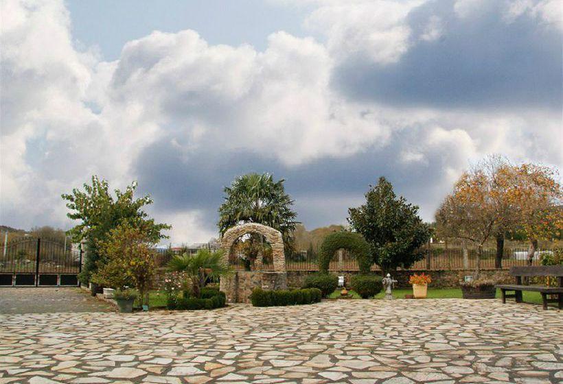 Casa reboiro en monforte de lemos desde 35 destinia for Piscina monforte de lemos