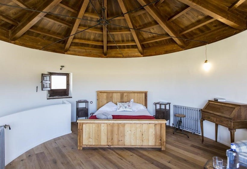Hotel rural cortijo del marques en albolote destinia for Piscina kinepolis