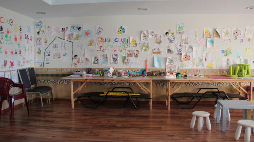 Instalaciones infantiles Ohtels Aparthotel  Mazagón