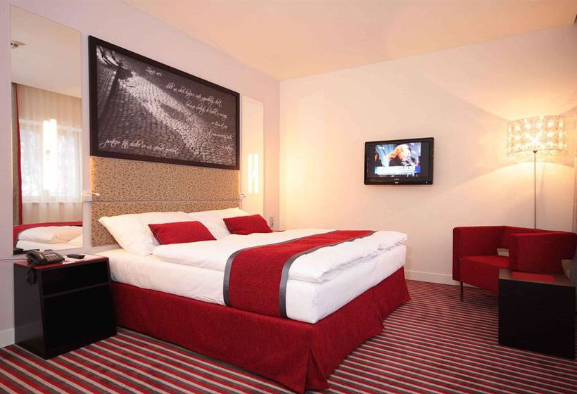Red blue design hotel prague en praga destinia for Design hotel praga