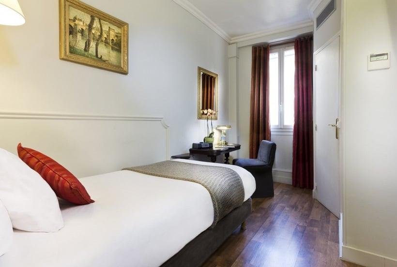 Hotel De La Porte Doree Pars