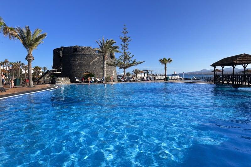 Barcel castillo beach resort en caleta de fuste destinia - Apartamentos todo incluido fuerteventura ...