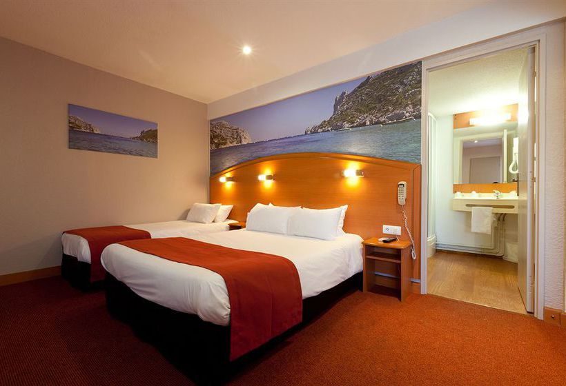 comfort hotel marseille airport en vitrolles destinia. Black Bedroom Furniture Sets. Home Design Ideas