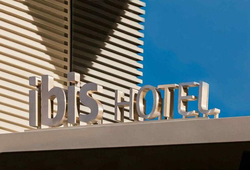 Hotel ibis barcelona centro sagrada familia en barcelona for Hoteles en barcelona centro para familias