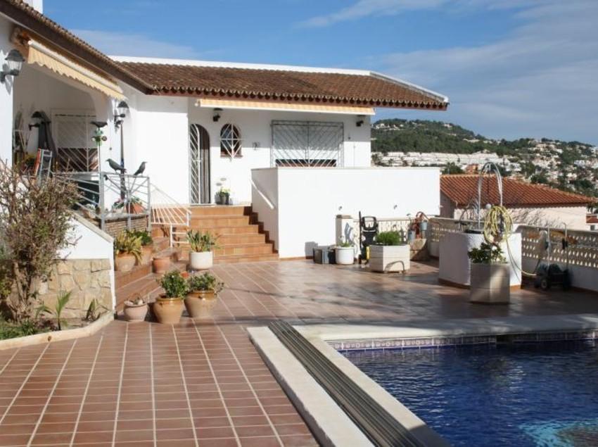 Villa la cabina calpe las mejores ofertas con destinia for Villas en calpe con piscina