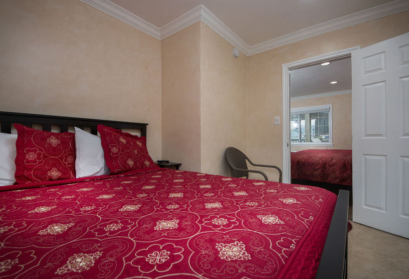 Near Universal Studios Nite Inn is in the heart of Studio City and won't put a hole in your travel budget. Located on Ventura Boulevard with nearby access to the freeway, the hotel is less than 1 mile from rides at Universal Studios and souvenir shopping at Universal circulatordk.cfs: