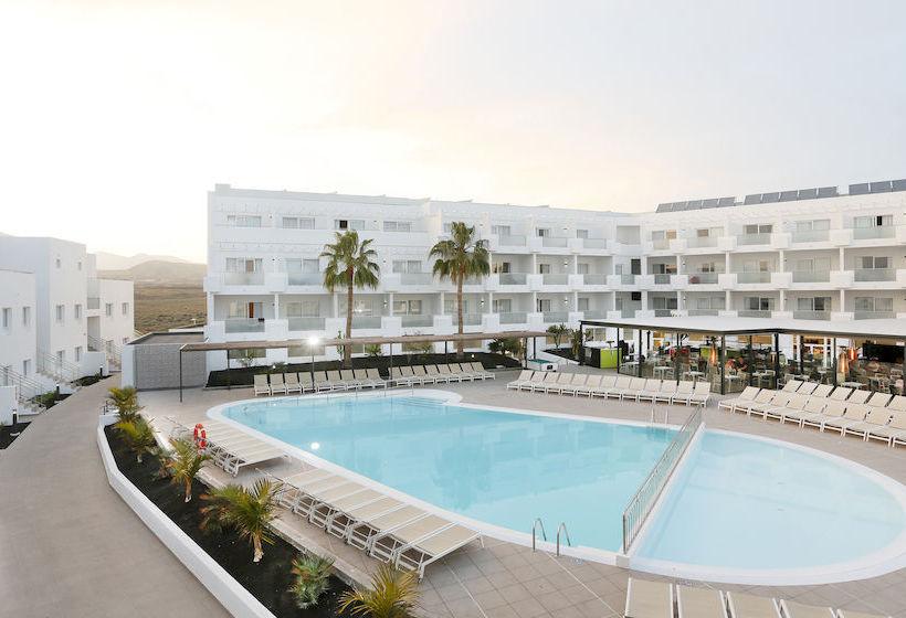Hotel sentido lanzarote aequora suites en puerto del carmen destinia - Hoteles en puerto del carmen ...