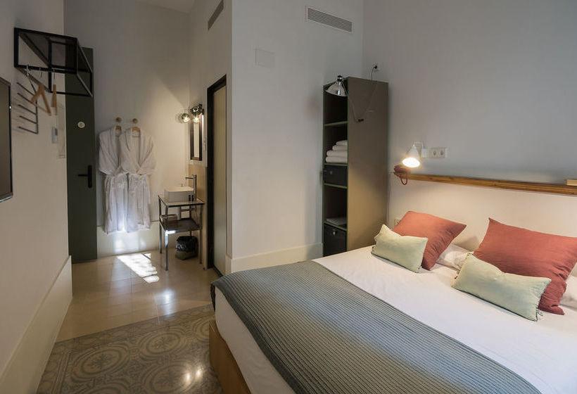 Pensi n casa mathilda barcelona en barcelona destinia - Apartamentos en barcelona vacaciones ...